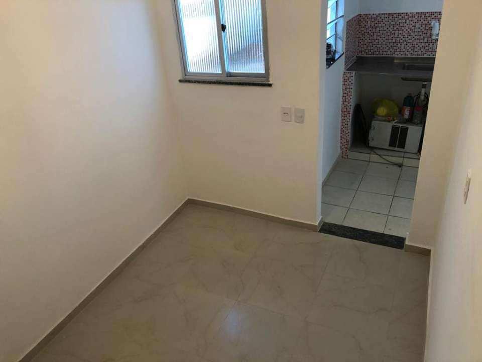 Casa para alugar Rua Ubiratã,Higienópolis, Rio de Janeiro - R$ 650 - 3823 - 2