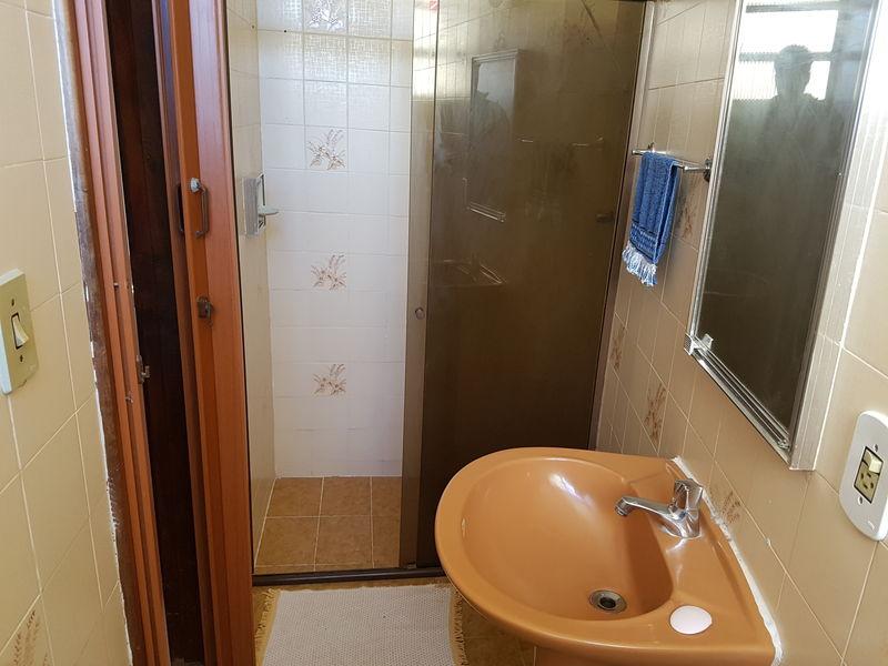 Apartamento com 2 quartos no centro de Miguel Pereira, excelente localização. - apcen - 14