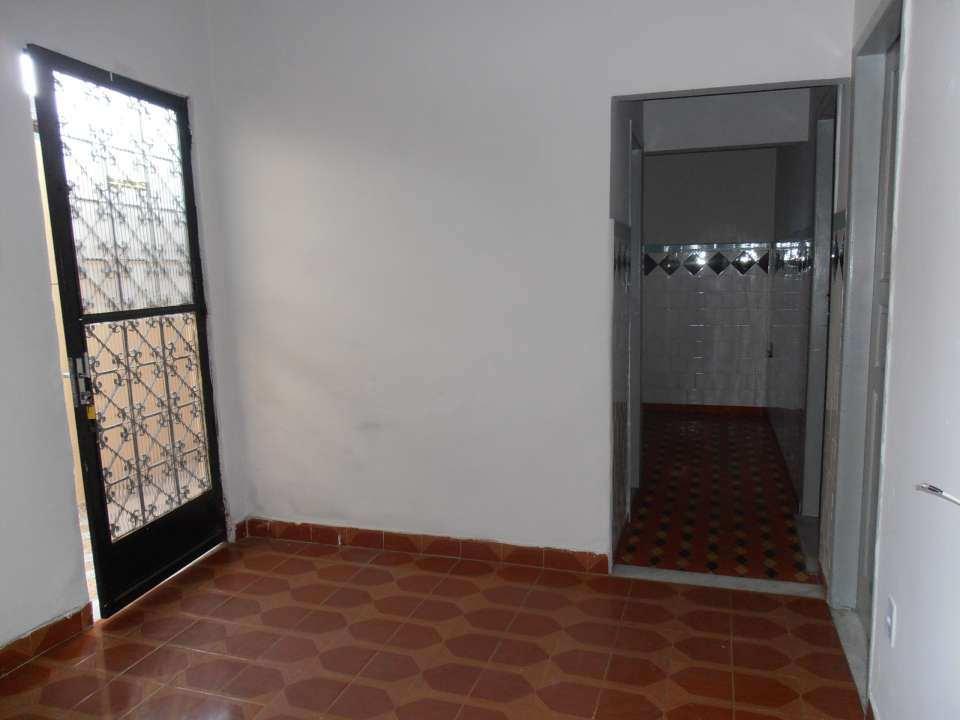 Casa para alugar Rua Acesita,Bangu, Rio de Janeiro - R$ 780 - SA0121 - 13