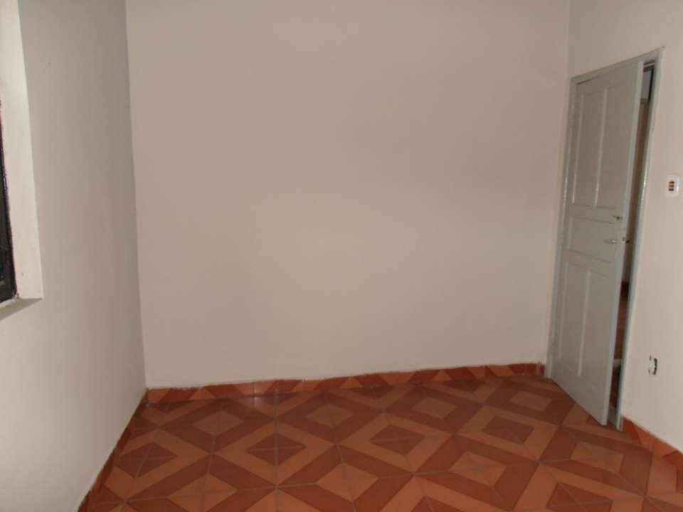 Casa para alugar Rua Acesita,Bangu, Rio de Janeiro - R$ 780 - SA0121 - 24
