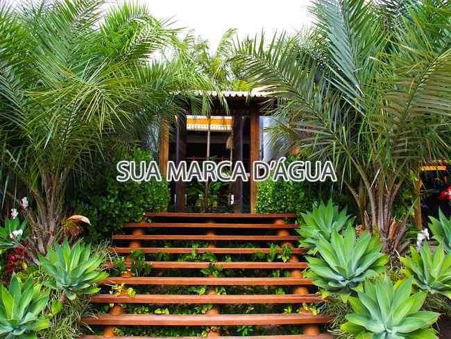 Entrada - Casa Rua Madre Joana de Gusmão,Centro,São José,SC Para Venda e Aluguel,3 Quartos,324m² - 0015 - 16