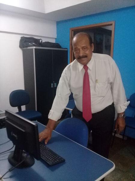 Silva Ribeiro Admite Corretores para Parceria em Casas Comerciais - 00002 - 1