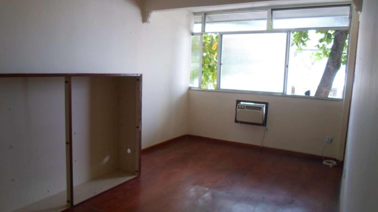 Excelente Apartamento 03 Quartos no IAPI da Penha - 3-026 - 1