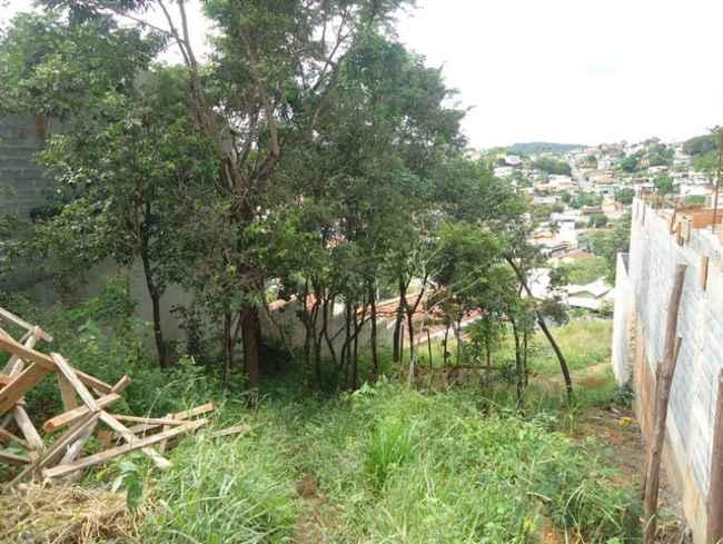 Lote à venda Parque Roberto Belisário, Pedro Leopoldo - R$ 150.000 - vlt003 - 2