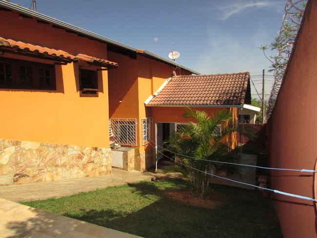 Casa Agenor Teixeira,Pedro Leopoldo,MG À Venda,3 Quartos - VCS039 - 7