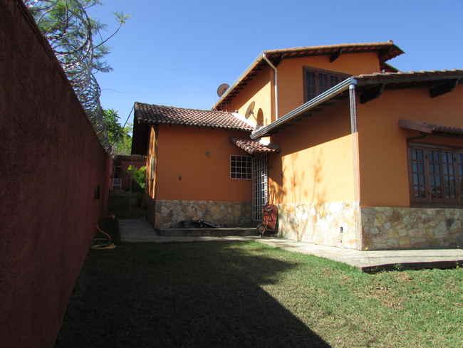 Casa Agenor Teixeira,Pedro Leopoldo,MG À Venda,3 Quartos - VCS039 - 39