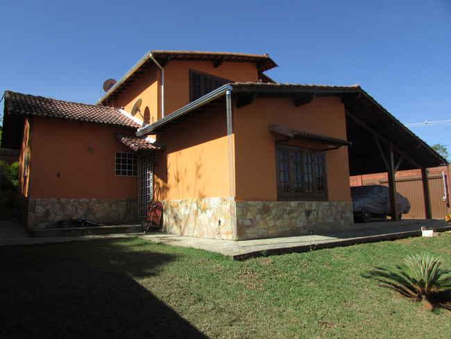Casa Agenor Teixeira,Pedro Leopoldo,MG À Venda,3 Quartos - VCS039 - 40
